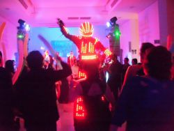 Show de Robot con Luces LED